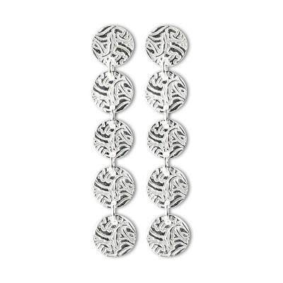 ÖRHÄNGEN SILVER – 5-SHIELDS Produktbeskrivning Örhängen Silver – 5 Shields i sterlingsilver. Längd 57 mm. Pris 1350:- Bland örhängen är detta ett av våra mest populära örhängen, vilken look som helst blir glammig med de här i öronen!