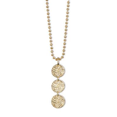 HALSBAND FÖRGYLLT – 3 SHIELD 1,400 krProduktbeskrivning Halsband Förgyllt – 3 Shield med hänge av tre små sköldar i sterlingsilver, förgyllt med 18 K guld. Kullänk 2,0 mm i sterling silver förgyllt med 18 karats guld. Längd 80 cm.