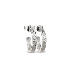 ÖRHÄNGEN SILVER – SMALL BRAVE & GORGEOUS Produktbeskrivning Örhängen i Silver – Small Brave & Gorgeous i sterlingsilver. Längd 16 mm, bredd 3 mm 799 kr